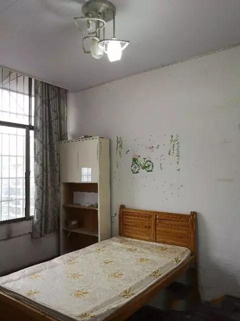 东关新天地 2室 1厅 1卫